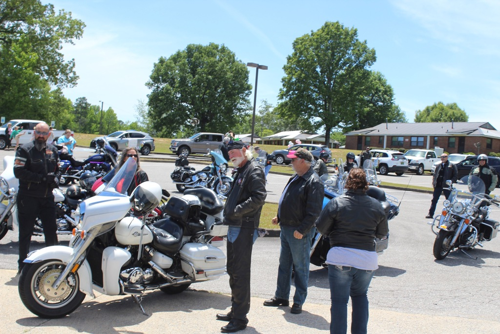 2020 Pardae ride to Heflin Nursing Home with Bernie McMichael 10