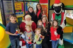 2019 Breakfast with Santa and the Zoo Run Safari for Children's Stars